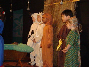 Animals and crib| Best Childrens Nativity